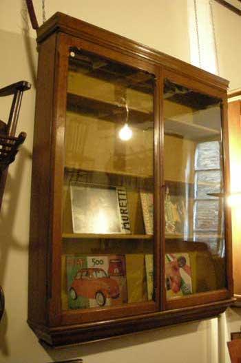 Vetrina pensile, in rovere - Antiquariato CASTELLANI, antiquari in ...