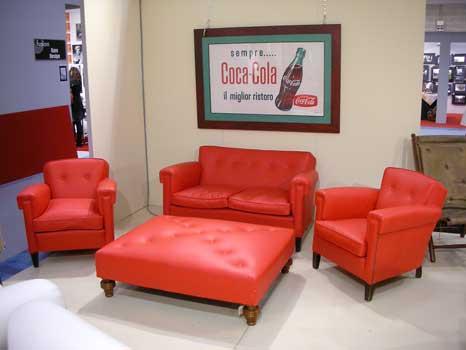 Set divano rosso in pelle coppia di poltrone pouff - Divano rosso pelle ...